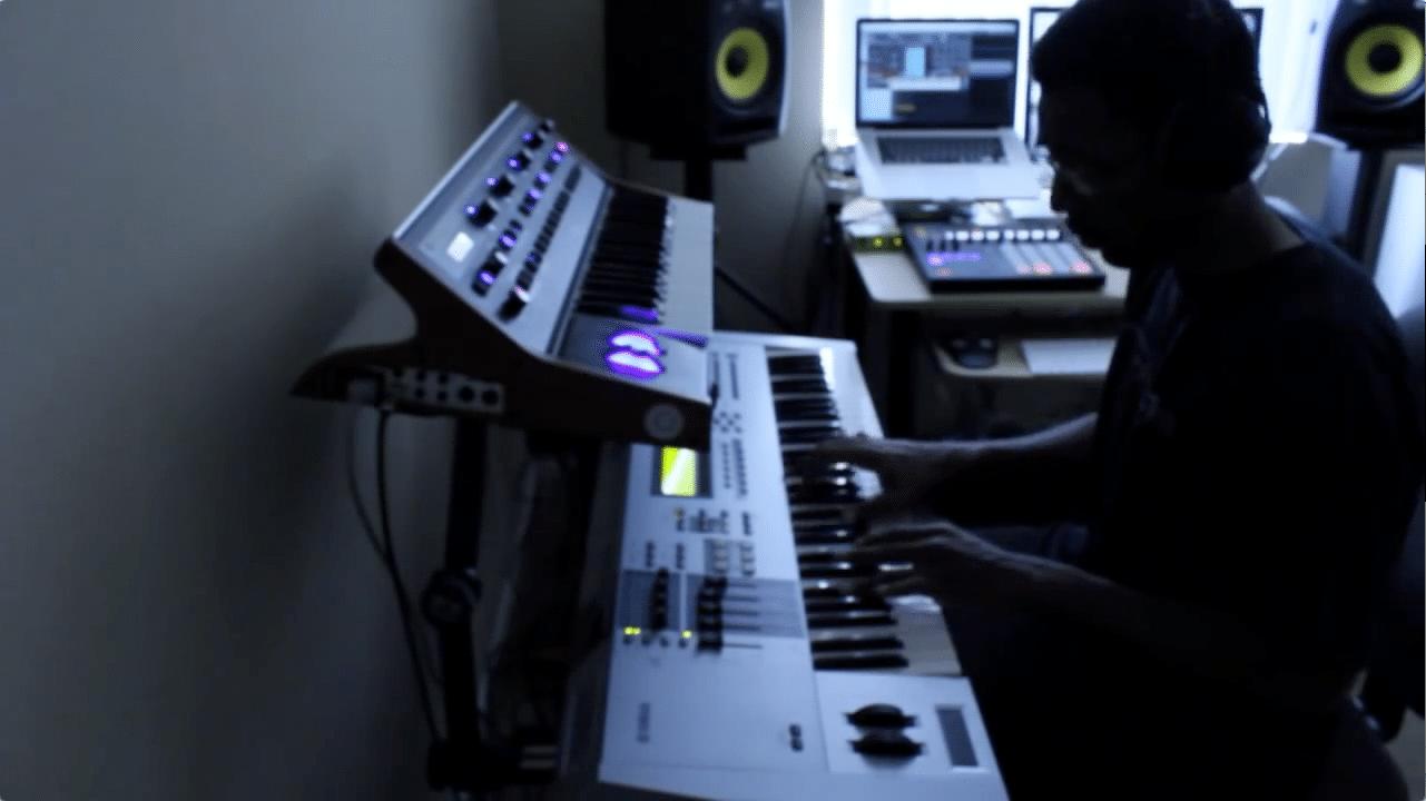 Studio Clip- F Major Creates G Funk Groove on Maschine 1.6 (ft. DJ Battlecat)